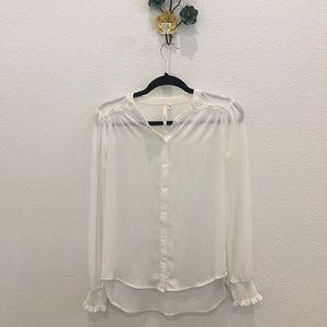 ❤️sold❤️ Bellatrix White long sleeve light blouse.